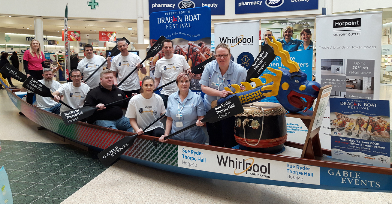 Peterborough shoppers try dragon boat out for size