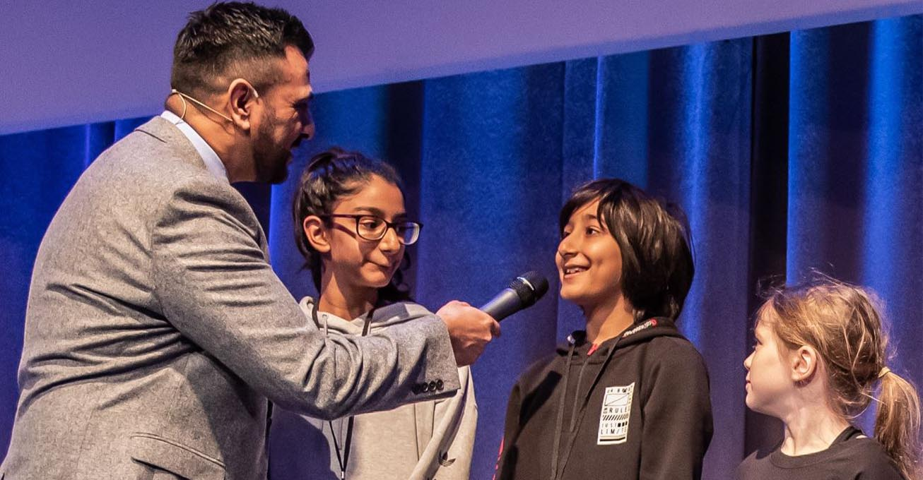 Public speaking course for youngsters aimed at improving self-confidence is launched by ex-police chief